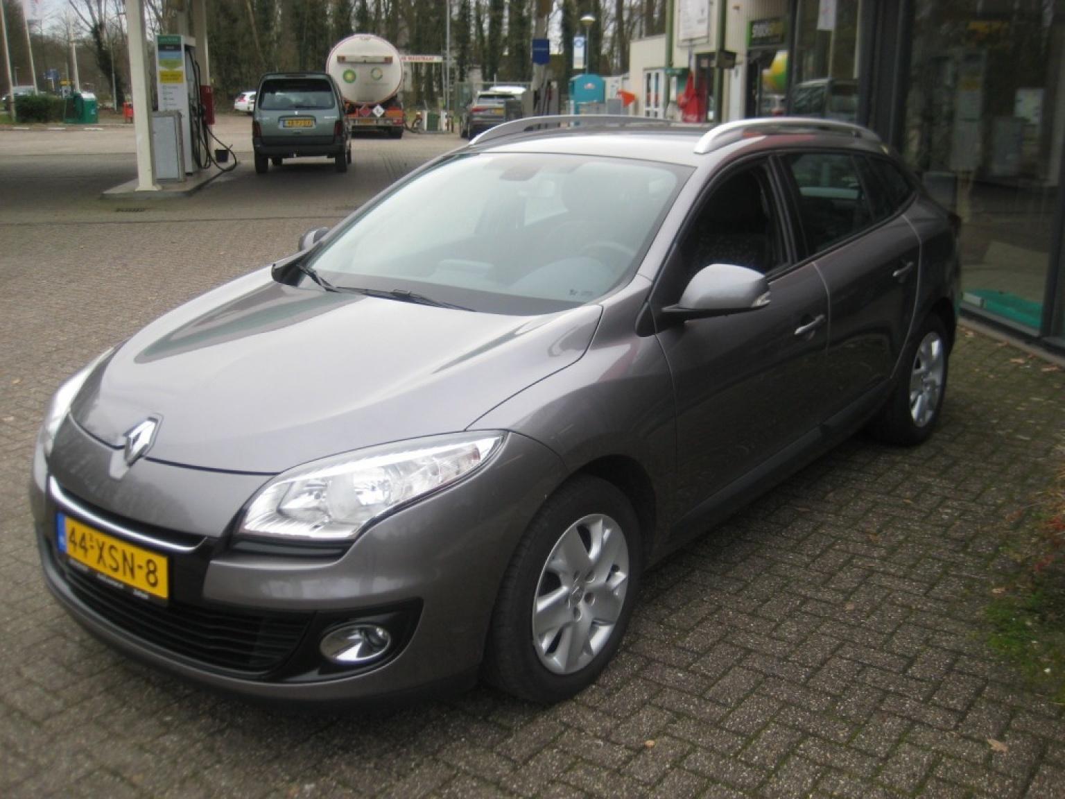 Renault-Megane-2